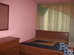2-х спальная кровать, большой шкаф, комод, 1,5 спальный диван